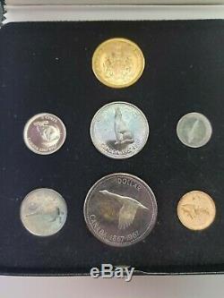 1867-1967 Ensemble Du Centenaire Avec 20 $ Gold Coin