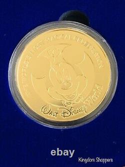 2021 Walt Disney World 50e Anniversaire Mickey Commemorative Gold Coin Le 4000